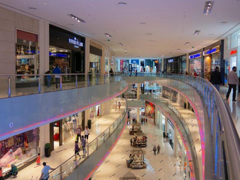 Große Einkaufszentren